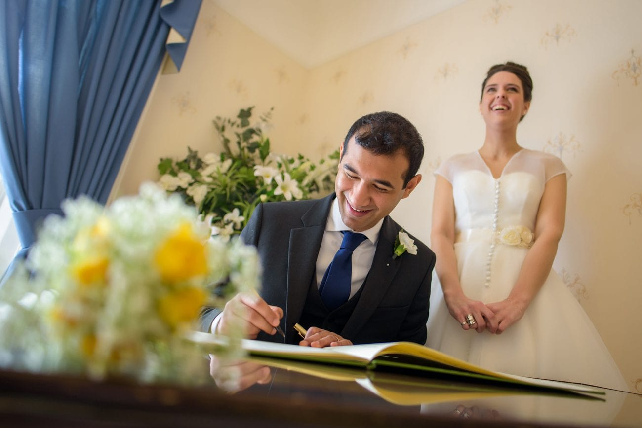 Guildford registry wedding photographer