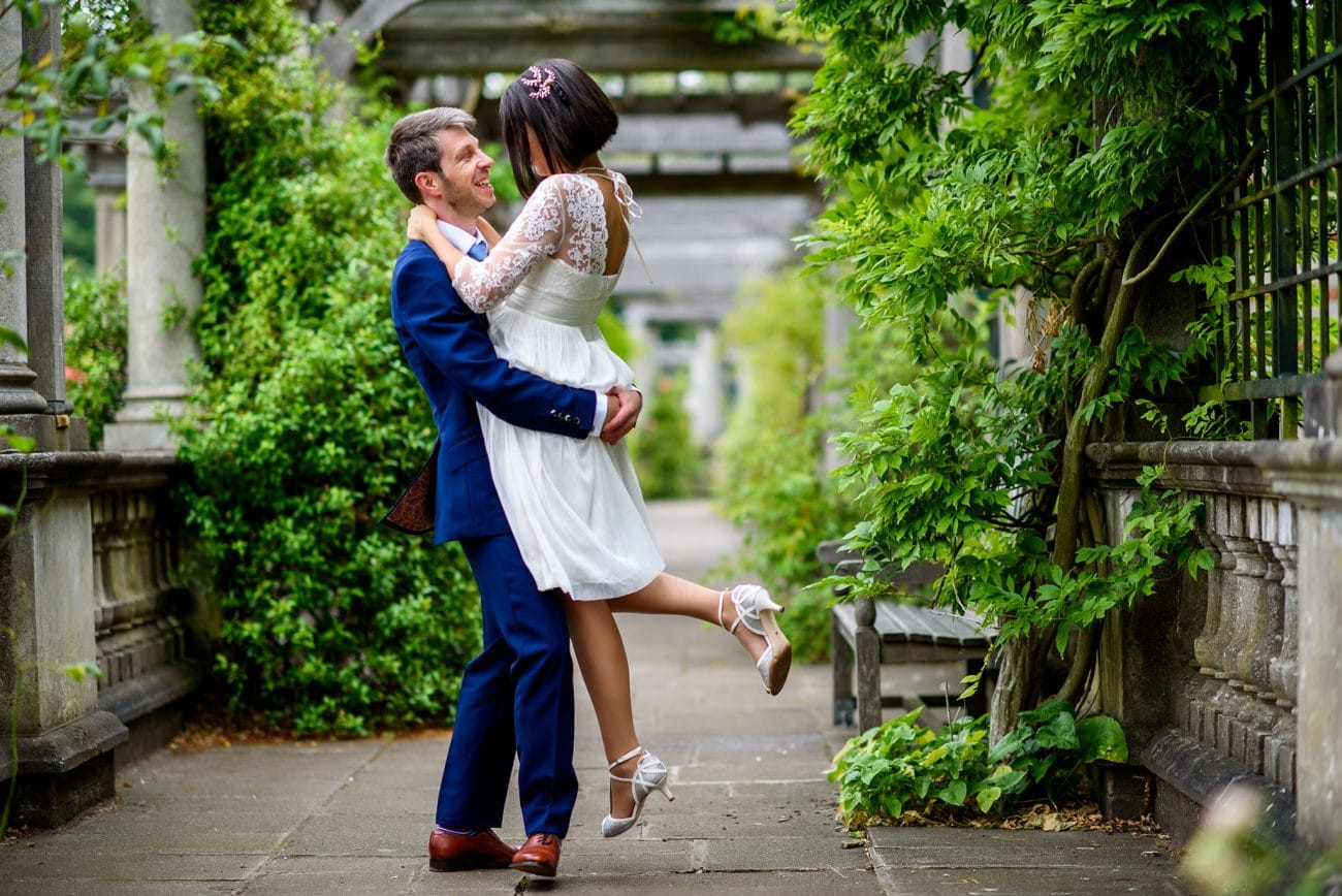 Hampstead pergola wedding photographer