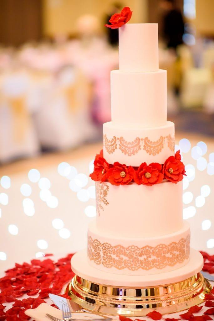 Hilton hotel watford wedding cake
