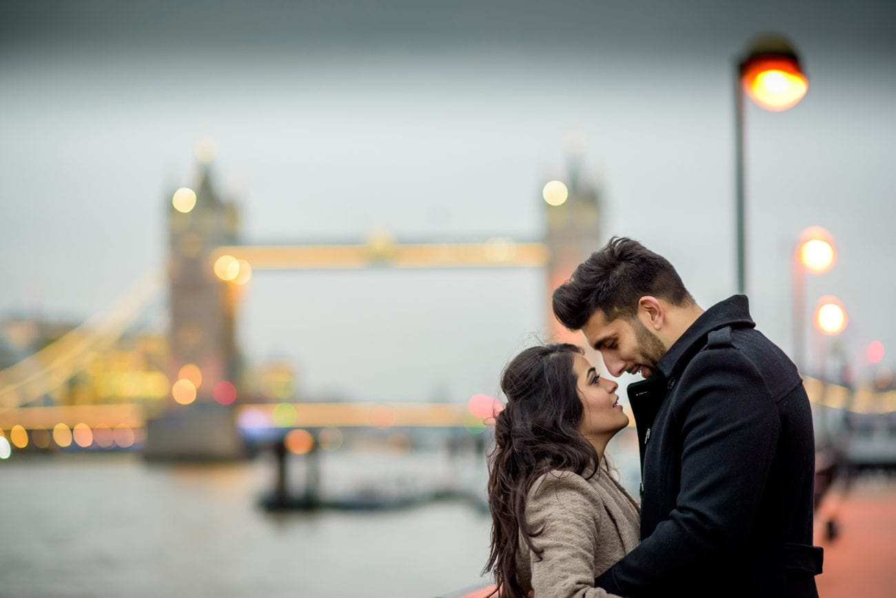 Tower bridge engagement couple portraits